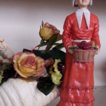 "Thanksgiving Pilgrim Woman, VINTAGE!!  Handpainted Ceramic, 10"" Tall for your table!!"