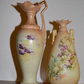 Two small porcelain vases