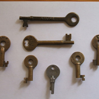 Caboose and Switch Stand Keys - Railroadiana