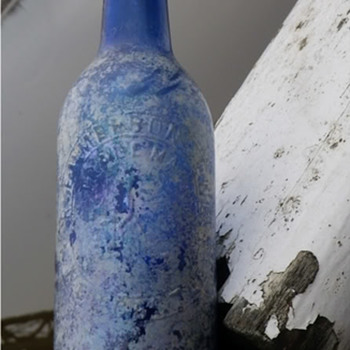 R EMMERSON JUNIOR IRIDESCENT COBALT BLUE CYLINDER NEWCASTLE - Bottles