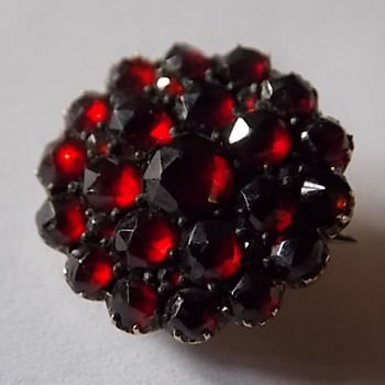 Bohemian Garnets Brooch-You have to love Garnets - Fine Jewelry