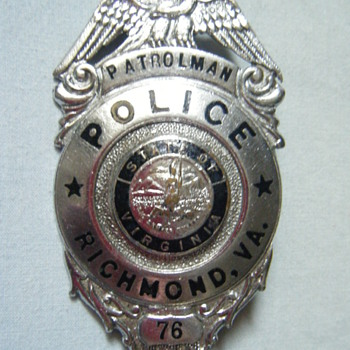 VINTAGE RICHMOND VA PTL BADGE CIRCA 1960'S  TONGUE CATCH  - Medals Pins and Badges