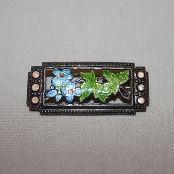 Vintage Enamel Flower PIn - Costume Jewelry