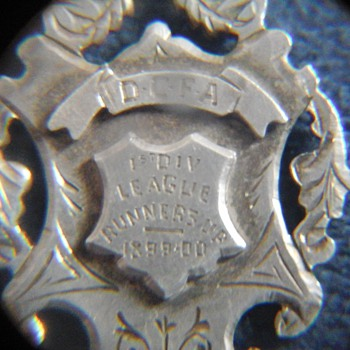 OLD FOOTBALL MEDAL - Football