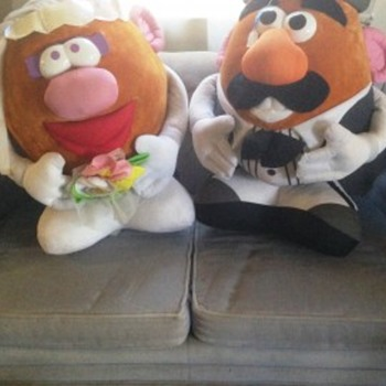 HAPPY COUPLE, AFTER THE WEDDING, NOW AT THE RECEPTION, AND EAGER FOR THE HONEYMOON! - Dolls
