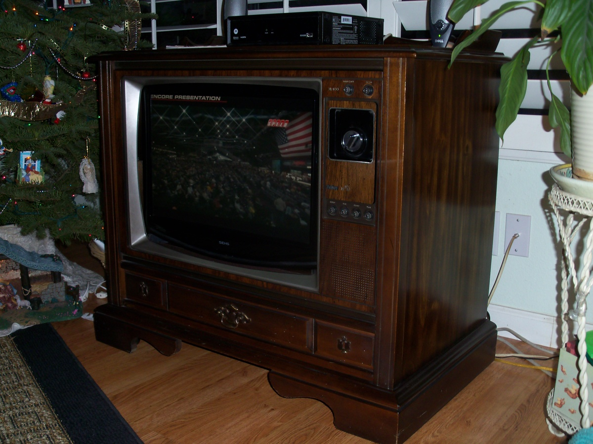 1980 rca xl 100 25 inch color console tv collectors weekly. Black Bedroom Furniture Sets. Home Design Ideas