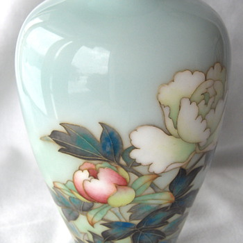 Wonderful Japanese Summer Floral ANDO Cloisonne Vase
