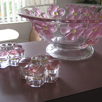 Bowl and candlesticks - Glassware