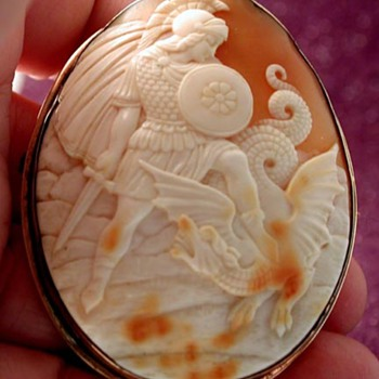 Shell cameo of St George and the Dragon - Fine Jewelry