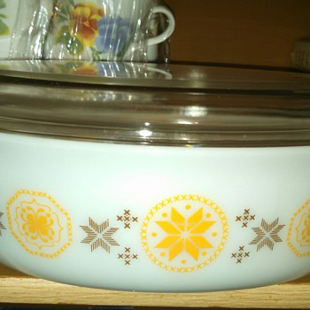 "Pyrex ""Town& Country""  2.5 quart Cinderella Oval Casserole - Kitchen"