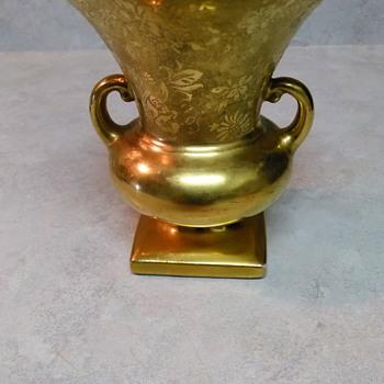 GOLD LEAF VASE - Pottery