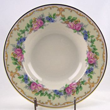 Beautiful Avondale Old Ivory Bowls - China and Dinnerware