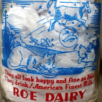 "Tall Round Pyro Quart Roe Dairy Milk Bottle ""Hey Diddle Diddle"" Nursery Ryhme  - Bottles"