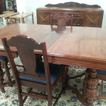 I think it's a Jacobean style table, chairs, and buffet