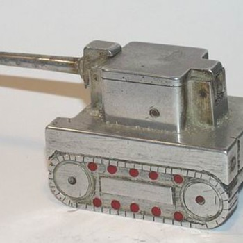 ww2 aluminum tank automatic lighter - Tobacciana