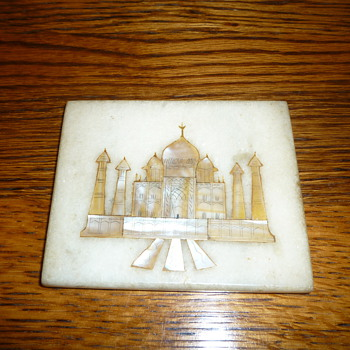 Taj Mahal, mother of pearl in marble