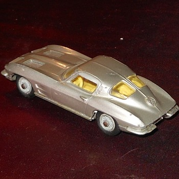Corgi Mdel 310 1963 Split Window Corvette - Model Cars