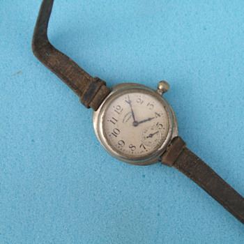 WW1 Era Ingersoll - Wristwatches