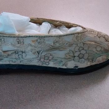 vintage linen kids shoes..i think