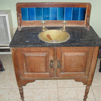 Bathroom sink and vanity - Furniture