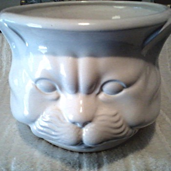 "Large White Ceramic Cat Head Planter-Cuspidor / Millard Lister Sales Limited ""Importer"" / Circa 1970's-80's"