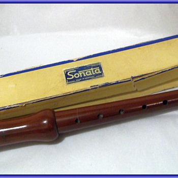 Vintage SONATA WOODEN Recorder - Germany Musical Instrument ( w/Box ) 2/of 3 types of Posts