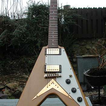 Gibson Flying V Korina, 1982 - Guitars