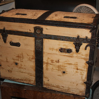 Large Pressed Board? Trunk - Furniture