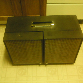 GE Record Player With AM/FM Radio - Electronics