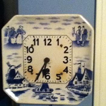 Delft China pendulium wind up clock - Clocks