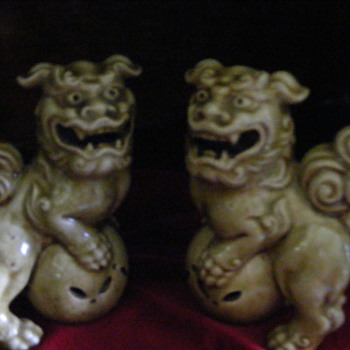 two foo dogs lions glazed pottery marked