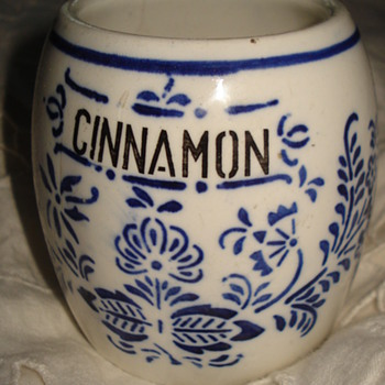 "CINNAMON  PORCELAIN JAR ""HORNBERG BADEN # 28 - Kitchen"