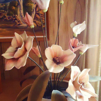 Repost  no lookers when I joined  any info. app.  porcelain/ceramic flowers brass leaves and stems! - Art Pottery