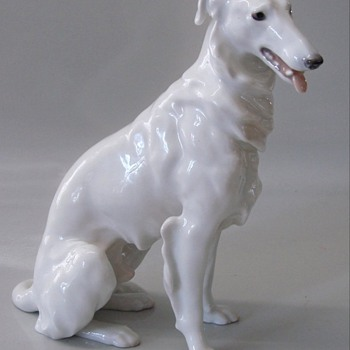 PORCELAIN FIGURE OF RUSSIAN WOLFHOUND