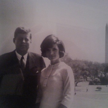 robert and jackie kennedy in front of washington monument ( original photo)