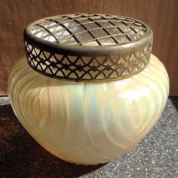 Large Kralik rose bowl - Art Glass