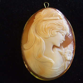 Large Shell CAMEO Brooch- Girl With Flower- Marked 750