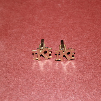 Ike cuff links