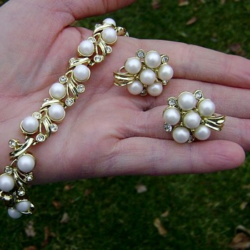 Sarah Coventry Bracelet & Earrings - Royal Ballet - Costume Jewelry