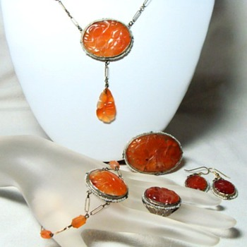 Antique or Vintage Carved Chinese Carnelian Parure  - Fine Jewelry