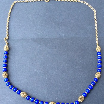 Antique blue dumortierite quartz necklace ? Or lapis ?