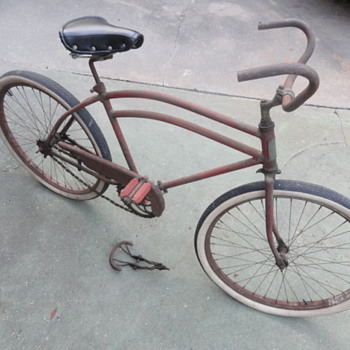 Pre-war Hawthorne &#039;Chieftain&#039; Skip Tooth Bicycle - Outdoor Sports