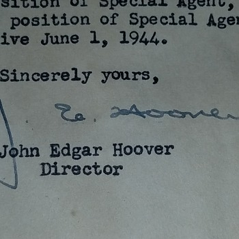 Are these J Edgar Hoover signatures authentic? - Paper