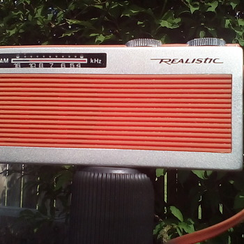 Radio Shack Pocket Radio - Radios