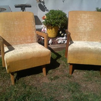 Pair of Paoli Chair Co. Platform Rockers