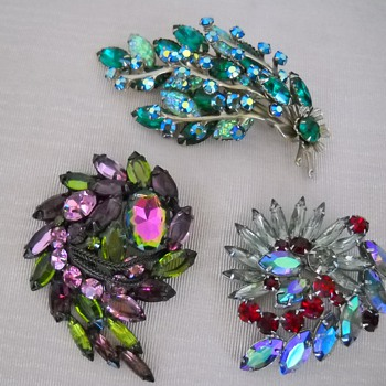3 UNSIGNED BEAUTIES RHINESTONE BROOCHES - Costume Jewelry