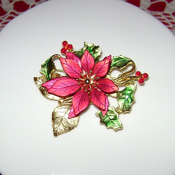 Christmas Poinsettia Pins - Costume Jewelry