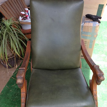 oak rocking recliner chair with lion arms - Furniture