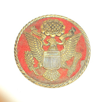 Miltary Badge Unknown to me - Military and Wartime