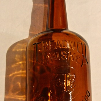 Squat Western old TREADWELL & CO WHISKEY bottle SAN FRANCISCO CA